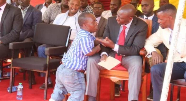 Popular musician David Sakari given a beating for praising DP William Ruto in front of handshake supporters