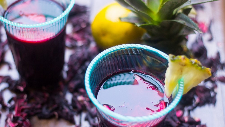 7 health benefits of hibiscus tea (Zobo)