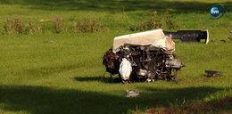 Porsche wypadło z drogi na Podlasiu i uderzyło w drzewo. Zginęły dwie osoby