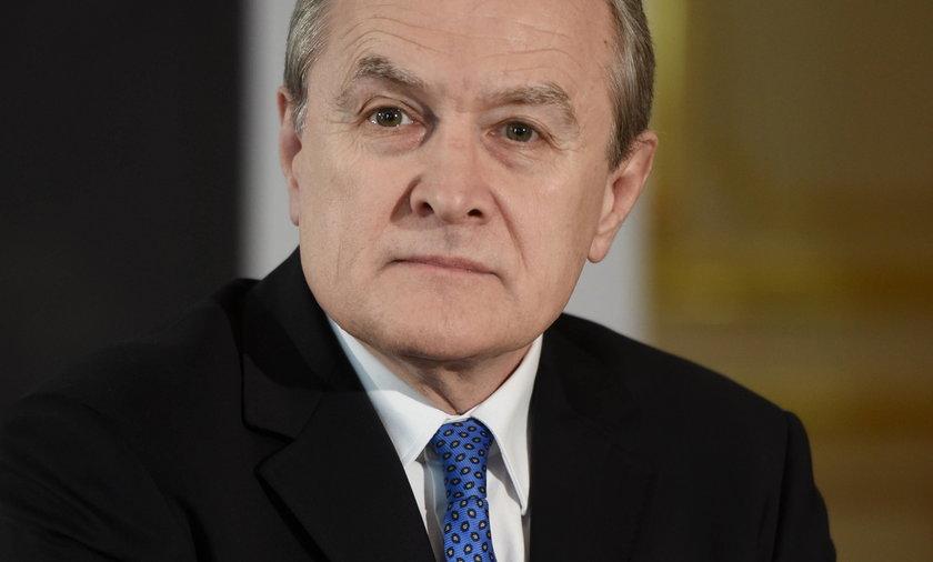 """Co z pomnikami smoleńskimi? """"Kaczyński bardzo się martwi"""""""