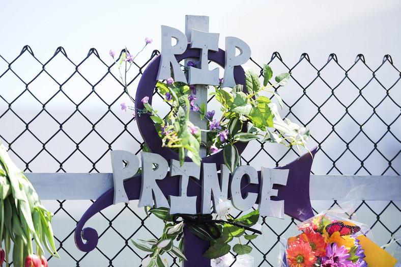 Fani żegnają Prince'a