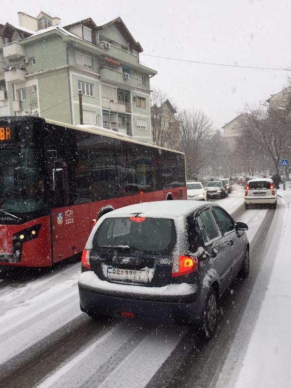 Gužve na Vidikovcu zbog snežnog pokrivača