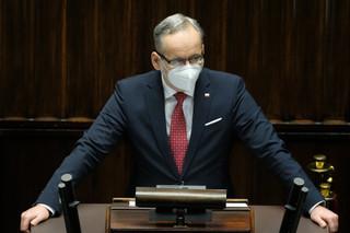 Niedzielski: Wczoraj odzyskaliśmy blisko połowę kwoty należnej za respiratory