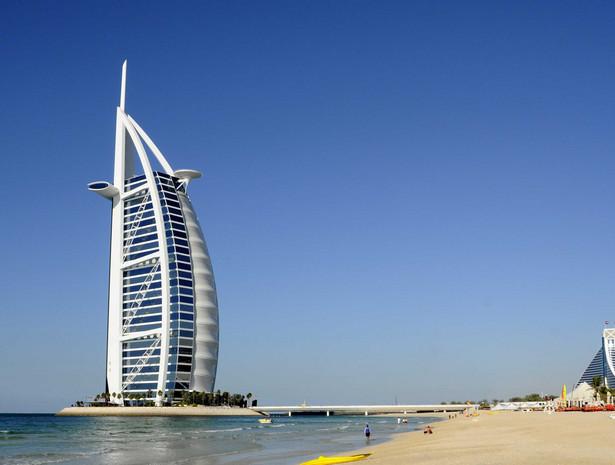 Arabska megalopolis u brzegów Zatoki Perskiej tonie w długach