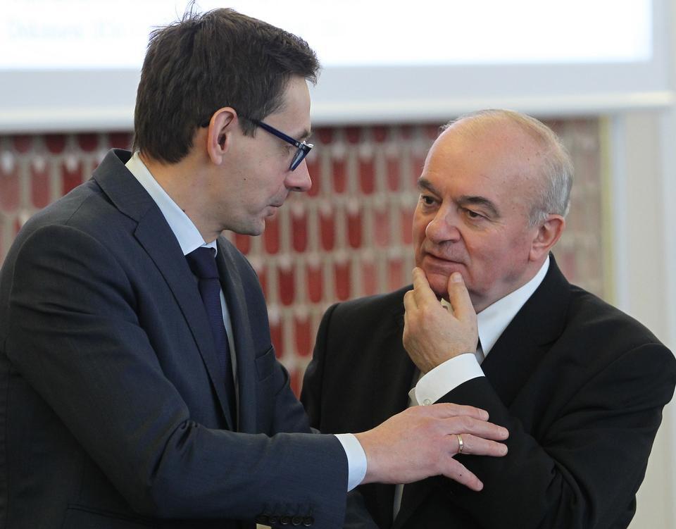 Minister skarbu Mikołaj Budzanowski i minister rolnictwa Stanisław Kalemba, fot. PAP/Radek Pietruszka