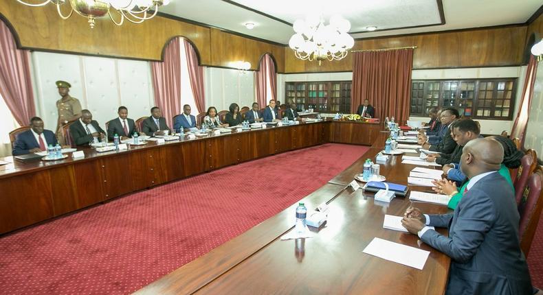 President Uhuru Kenyatta chairing a past cabinet meeting (Twitter)