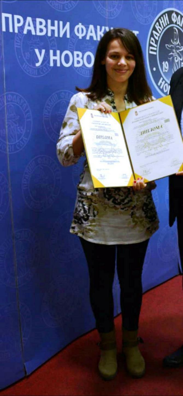 Duška s diplomom Pravnog fakulteta