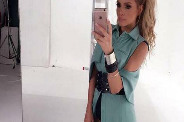 Porodila se pre manje od godinu dana, napravila drastičnu promenu, a sada Jelena Kostov IZAZVALA LAVINU KOMENTARA VIDEOM!