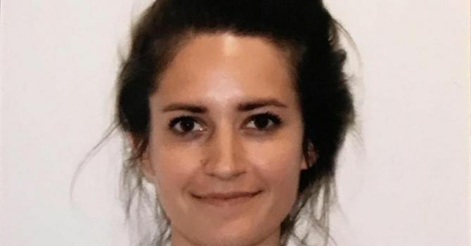 Kada vidite njenu sliku na pasošu, više nećete kukati zbog svoje