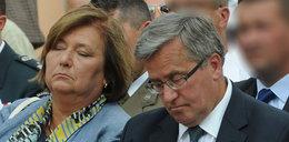 Zaspany prezydent! Komorowski dałna tacę i zasnął