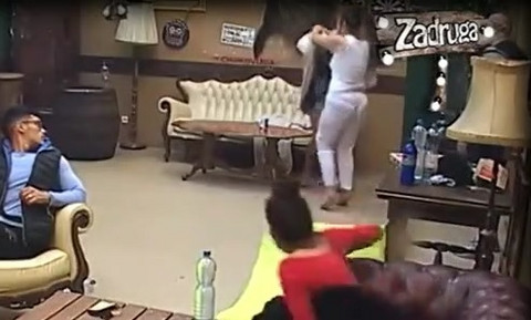 UDARALA JE I VUKLA ZA GRUDI Miljana Kulić NASRNULA na ovu zadrugarku, obezbeđenje sve vreme bilo u pripravnosti