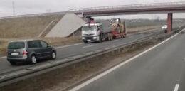 Groza na S11! Kierowca jechał pod prąd i pukał się w głowę