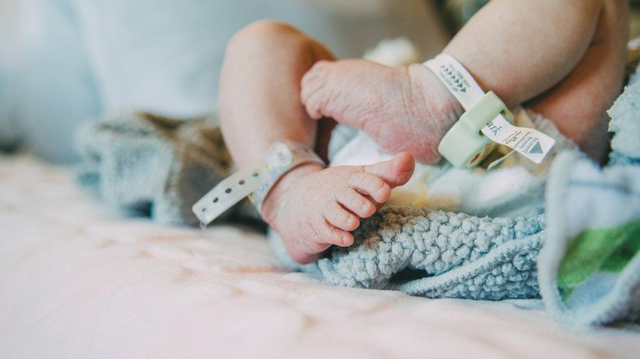 Dziewczynka w Izraelu urodziła się z zarodkiem w brzuchu