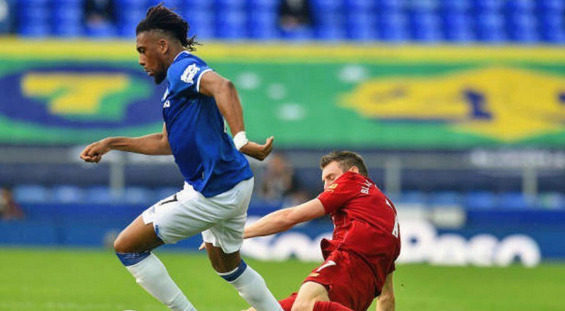 Alex Iwobi helps Everton to keep the shape in goalless draw against Liverpool