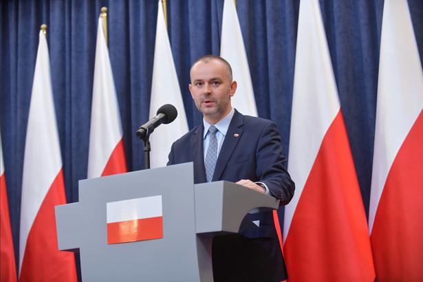 Zastępca szefa kancelarii prezydenta Paweł Mucha podczas konferencji prasowej w Pałacu Prezydenckim.