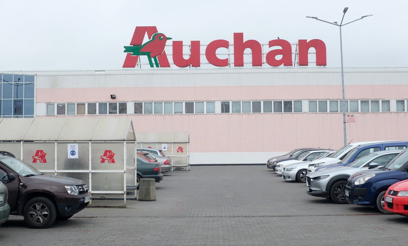 Wycofywane kiełbaski na grille można było kupić w sklepach sieci Auchan.