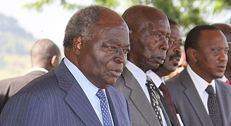 Former presidents Mwai Kibaki (Far left) Daniel Moi (middle) and incumbent president Uhuru Kenyatta (Far right) at a past event. (Hivisasa)