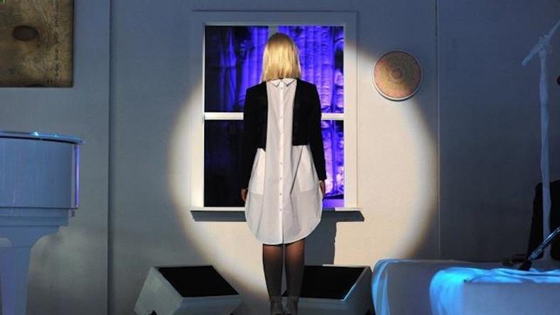 Sia śpiewa piosenkę Adele