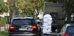 Auto Tuska zatrzymane przez brudną bieliznę. FOTY
