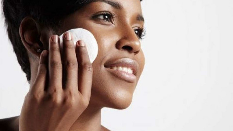 Five natural remedy for oily skin (Outlineskincare)