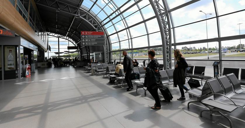Lotnisko w Modlinie ma poważny problem