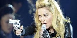 Madonna celowała bronią w publiczność