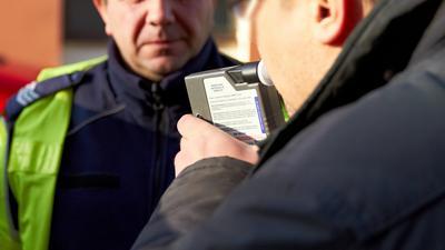 Projekt zmian w Kodeksie karnym: kierowco, nie pij... po wypadku!
