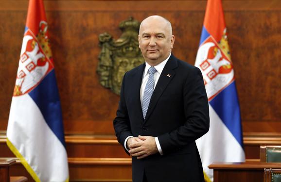 Ministar Nenad Popović