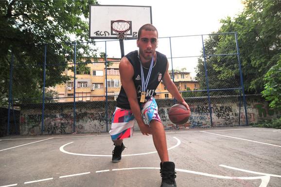 """POVRATAK OTPISANOG!? """"U kolekciji mu nedostaje zlato sa OI - spreman je da IDE DO KRAJA!"""" Vest koja će oduševiti Srbiju, cimer najboljeg basketaša sveta otkrio šta mu je Bulut rekao: Nemam ni Olimpijske igre. NIJE ZLATO!"""