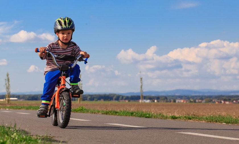 Nastoletni rowerzysta staranował 3-latka. Dziecko trafiło do szpitala