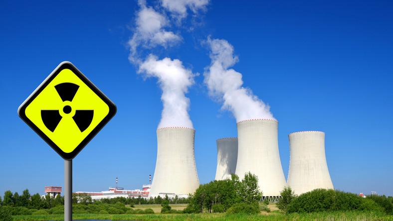 Funkcjonowanie największej elektrowni w Czechach od początku było ostro krytykowane przez państwa sąsiadujące. Elektrownia Temelin leży niedaleko granicy z Austrią, a tylko przez pierwsze 4 lata działania, na jej terenie zarejestrowano blisko 80 awarii.