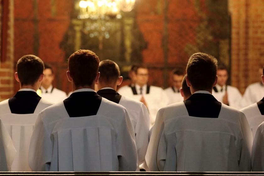 Klerycy.