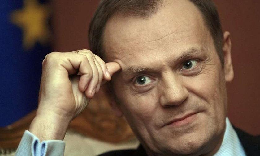 Premier Donald Tusk był nieobecny na głównych obchodach 66. rocznicy wybuchu Powstania Warszawskiego. Zastępował go Władysław Bartoszewski