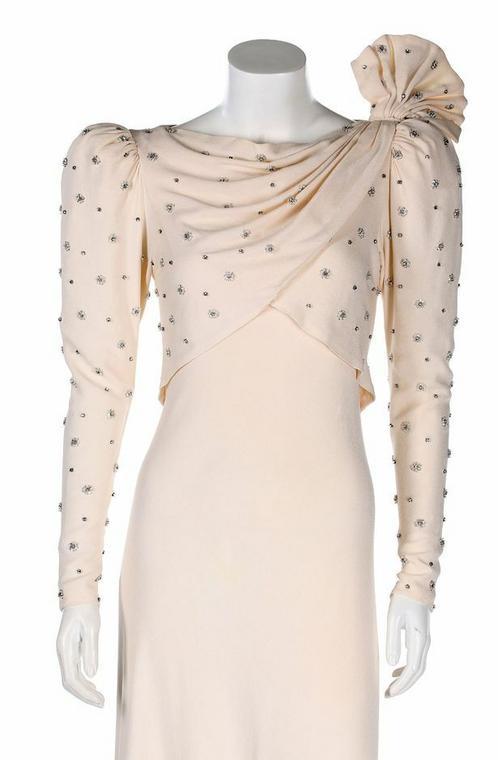 Платье принцессы Дианы выставлено на аукцион