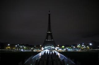 Francja: Politycy podzieleni. Mają różne wizje walki z terroryzmem