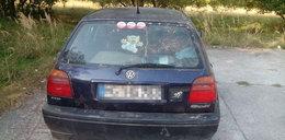 Szok! Rodzice z dziećmi mieszkali w samochodzie