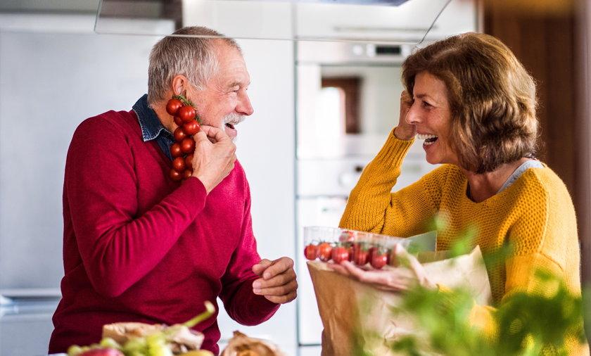 Za 80-90 proc. chorób nowotworowych odpowiadają tzw. czynniki środowiskowe, tj, styl życia, w tym nasz jadłospis