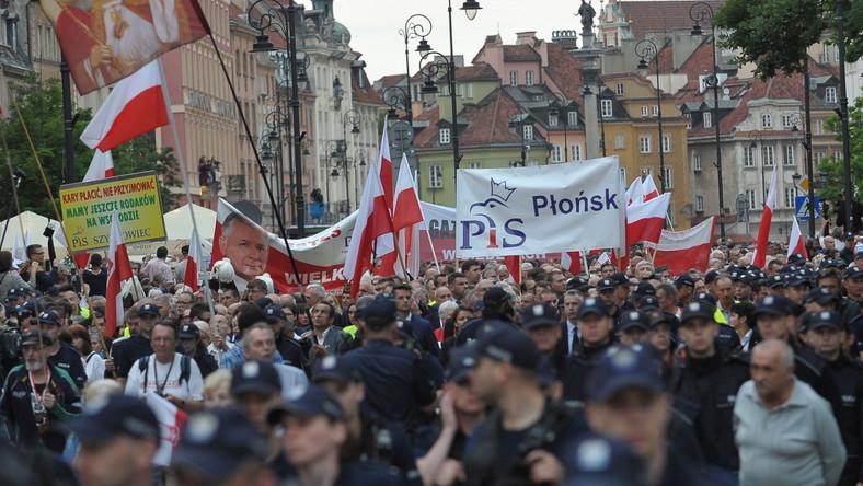 W marszu wzięło udział kilkaset osób.