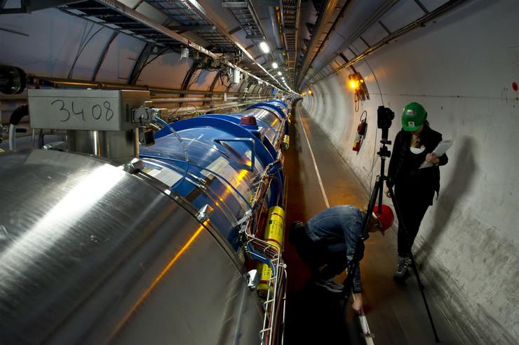 Veliki sudarač hadrona (LHC), odnosno CERN-ov akcelerator