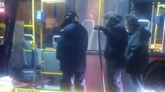 Džip udario u autobus