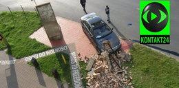 Samochód wjechał w mur, przez który skakał Wałęsa!