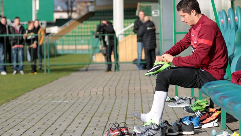 W zajęciach uczestniczyło 25 zawodników. Wśród nich był nasz najlepszy piłkarz, Robert Lewandowski.
