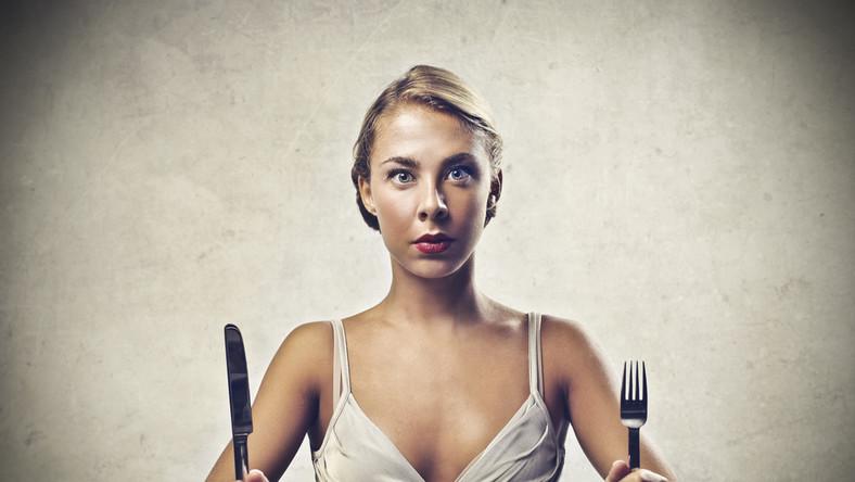 Nagradzać się za sukcesy w diecie czy karać za porażki?