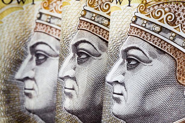 W zeszłym tygodniu portal Prawo.pl przewidywał, że rząd pracuje nad nowymi podatkami, gdyż Ministerstwo Finansów prowadzi rekrutację ekspertów, którzy zaprojektują nowe daniny.