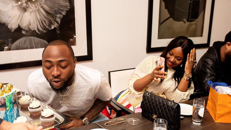 One of the cutest conversations you'd spot on social media today is that of Davido promising to get his fiancee, Chioma pregnant again. [Instagram/TheChefChioma]