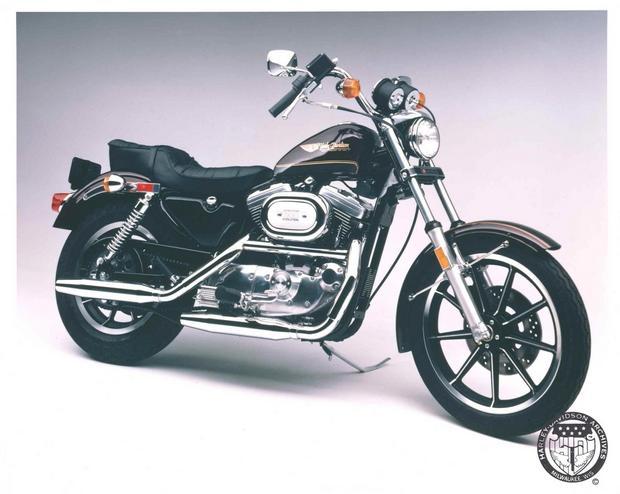 Model Hugger 1100