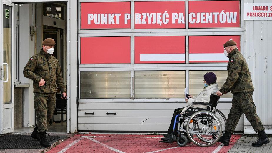 Polska na wojnie z koronawirusem. Gdzie jest wojsko?