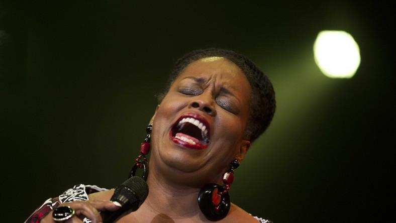 Gdyby startowała w tych samych latach, co Aretha Franklin czy Nina Simone, na pewno byłaby ich godną konkurentką na scenie. Z późniejszymi gwiazdami jazzowej wokalistyki w stylu Diany Krall i Cassandry Wilson radzi sobie jeszcze lepiej. Dianne Reeves już 14 lipca będzie gwiazdą Ladies' Jazz Festival 2015. CZYTAJ WIĘCEJ >>>