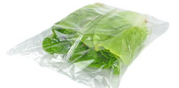 Nie uwierzysz, co znajduje się w pakowanych sałatach