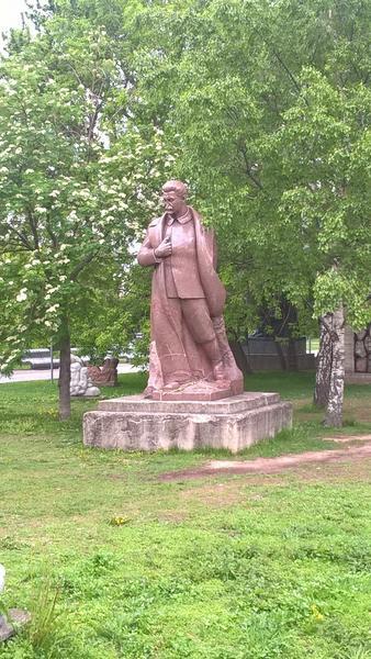 """Pomnik Józefa Stalina w Moskwie - dziś to część ekspozycji """"pomników niechcianych"""""""